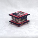 "2""  Short Beautiful Blossoms Box"