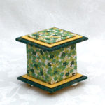 "2"" Tall Green Leaves Box"